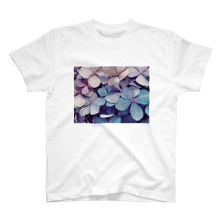 yanagiのhydrangea T-shirts