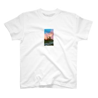 進撃のシバウザー T-shirts