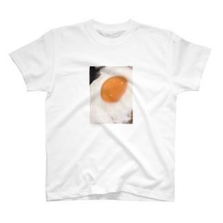 君と黄身を食べよう T-shirts