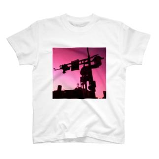 信号機 T-shirts