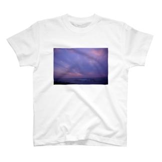 内灘の空 T-shirts