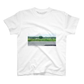 地元の川沿い T-shirts