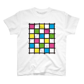 格子模様で1つ顔 T-shirts