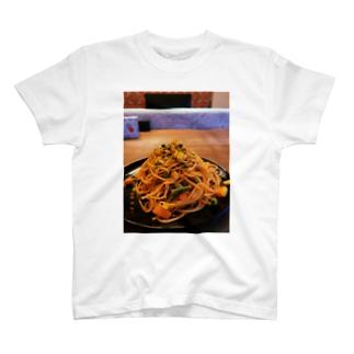 とりあえずパスタでいっか T-shirts