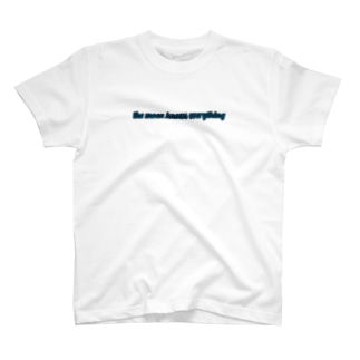 moon knows everything☽ T-shirts