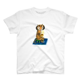 トラさんとコーヒー T-shirts
