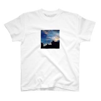 MOON RIVER T-shirts