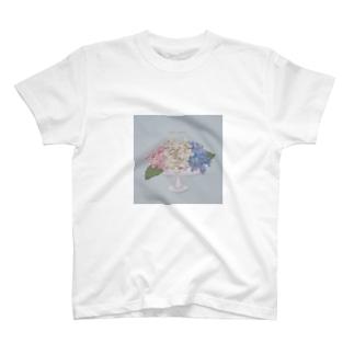 器と紫陽花。 T-shirts