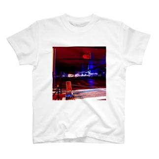 大阪のバスターミナル T-shirts