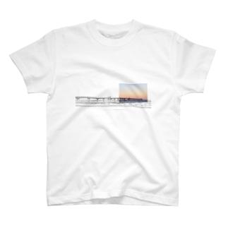 桟橋 T-shirts