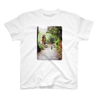 奥の世界 T-shirts