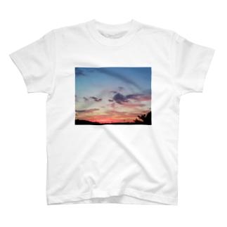 夕焼け雲 T-shirts
