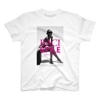 01-A T-shirts