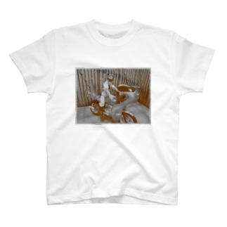 ヤンキーバイク乗りの女 T-shirts