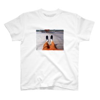 夏と秋のあいだ T-shirts