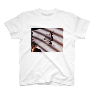 賞味期限切れロボット T-shirts