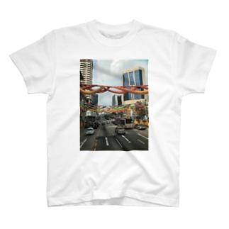 シンガポール2階建てバスの眺望 T-shirts