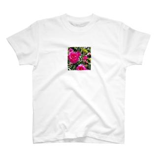 薔薇好きおばちゃん T-shirts