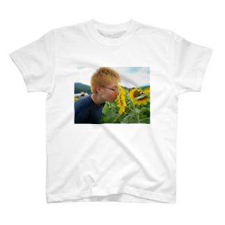ひまわりと金髪眼鏡くん T-shirts