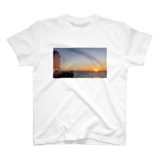 船旅の朝 T-shirts