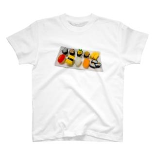 あかちゃん寿司⸜︎❤︎︎⸝ T-shirts