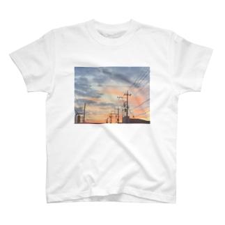 車の中からパシャリ📷 T-shirts