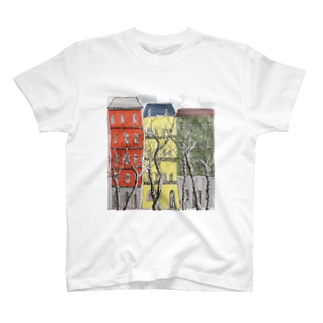 可愛いアパート T-shirts