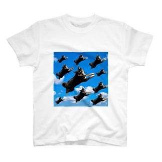 空飛ぶ柴犬 T-shirts