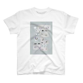 でりちゃんの目線 T-shirts