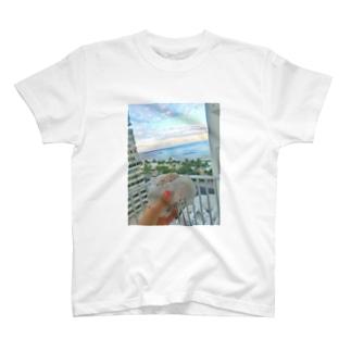 マラサダとワイキキビーチ T-shirts