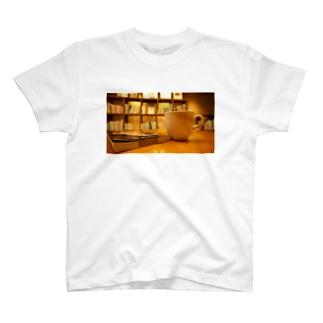図書室 T-shirts