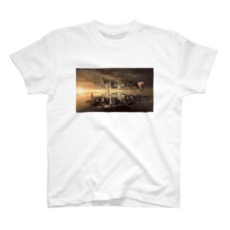 反転した街 T-shirts