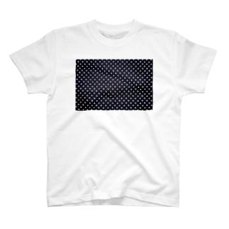 ドットから考察する反転の定義 T-shirts