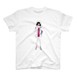 ピラミッドスタッズボーダーTを着た女の子 Tシャツ
