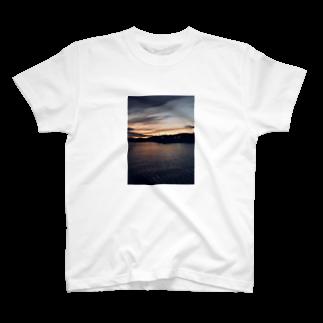 yohsakuraの夕間飛行 T-shirts