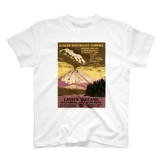 ヴィンテージ観光ポスター 『 ラッセン火山国立公園(米国)』 T-shirts