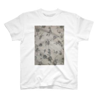 リネンの森 T-shirts