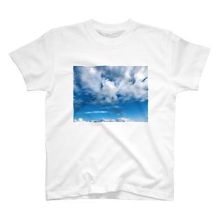 雲がもくもく T-shirts