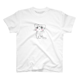 泣き虫にゃんこ T-shirts