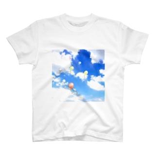 空と風船 T-shirts