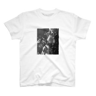 竜の落とし子出産 T-shirts
