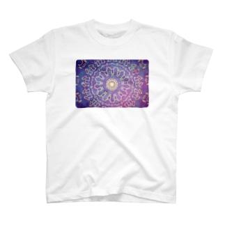 胸の空洞 T-shirts