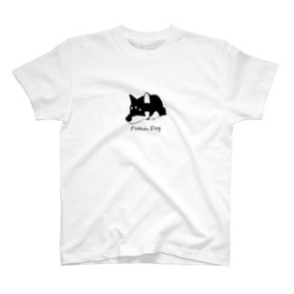 ペタンする黒の柴犬 T-shirts