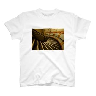 イギリスの階段の写真 T-shirts