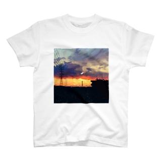 「夜に溶ける街」 T-shirts