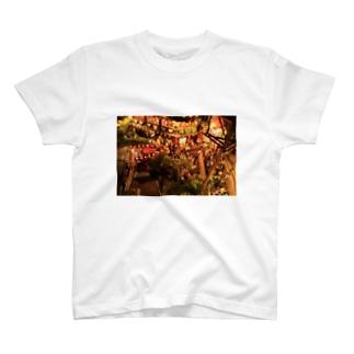 湯婆婆のお茶屋 T-shirts
