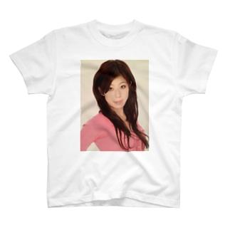 在りし日の白濱優子 T-shirts