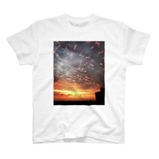サンライズ、サンセット、朝焼け、夕焼け T-shirts