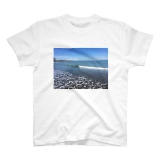 Beach snap T-shirts