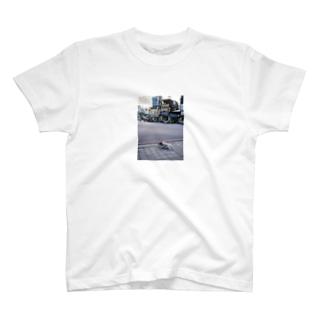 流浪狗 T-shirts